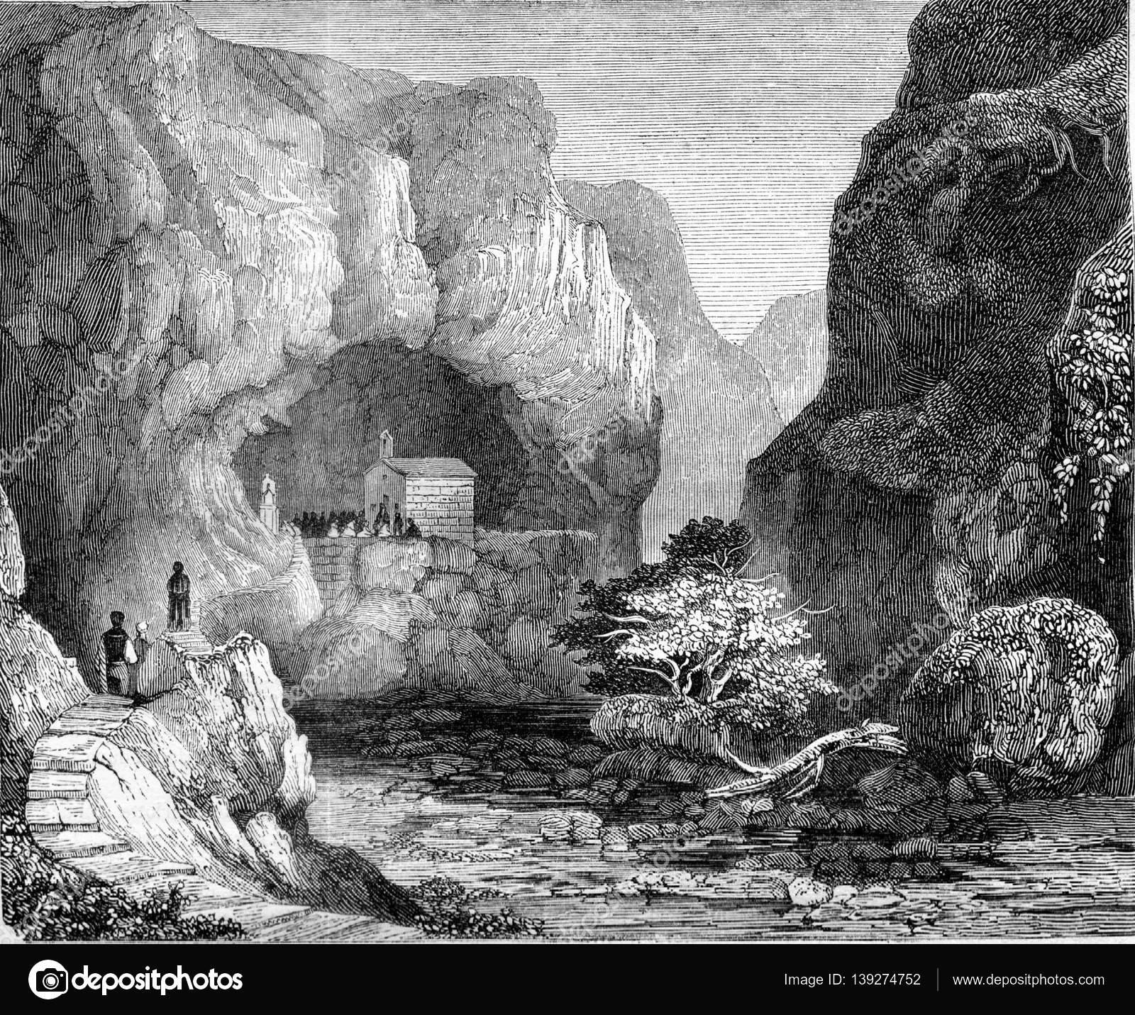 vue de la grotte de saint paul, dans la vallée de mousta, malte