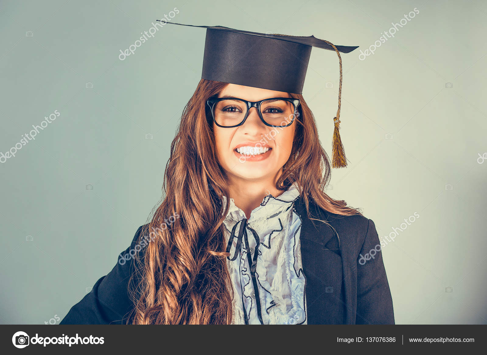 ff14090b03f9 Portrait closeup beautiful happy latina graduate — Stock Photo ...