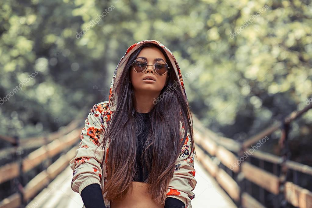 R&B hip hop pop singer
