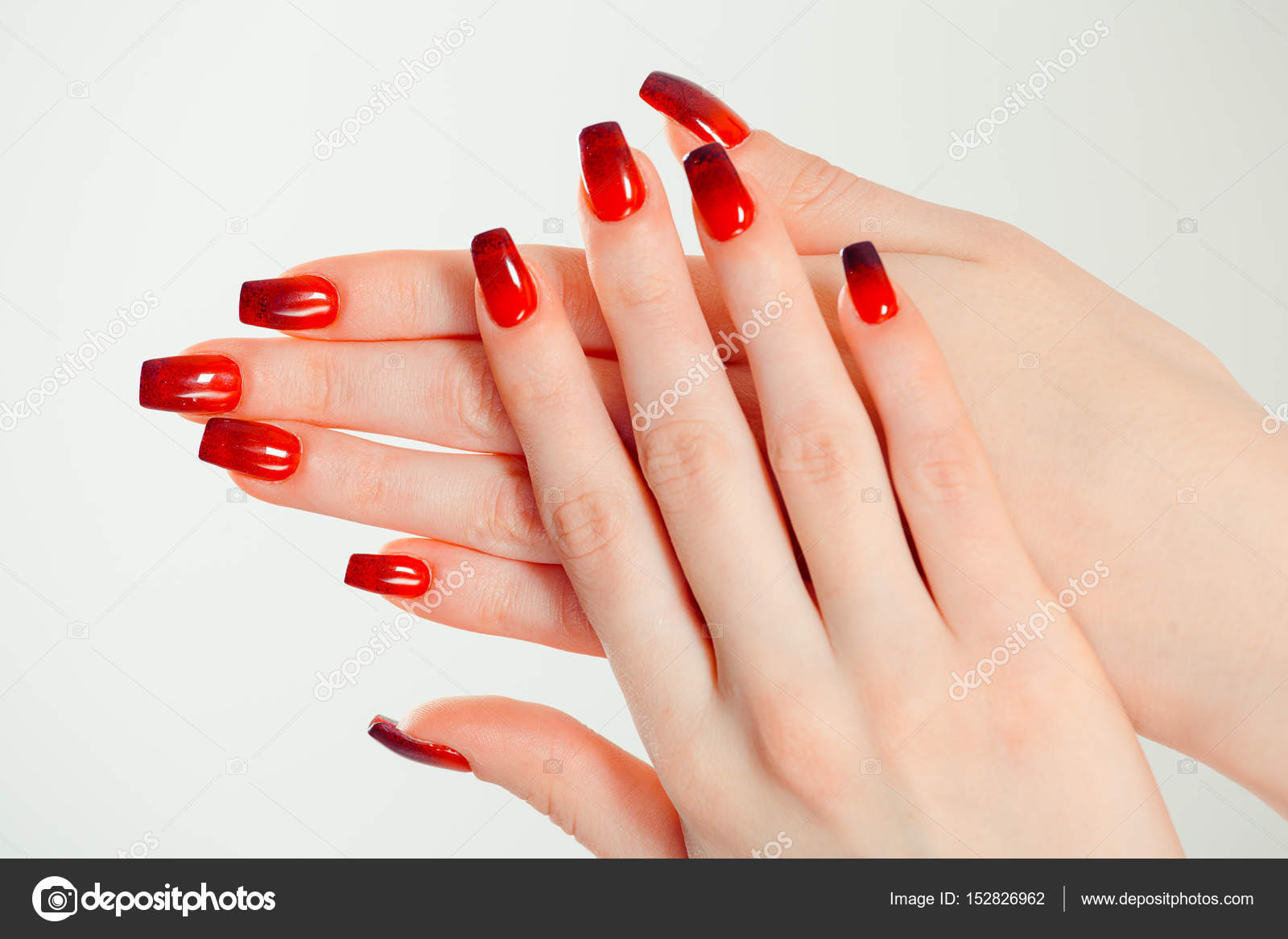 Nail Polish Art Manicure Modern Style Red Black Gradient Beauty Hands
