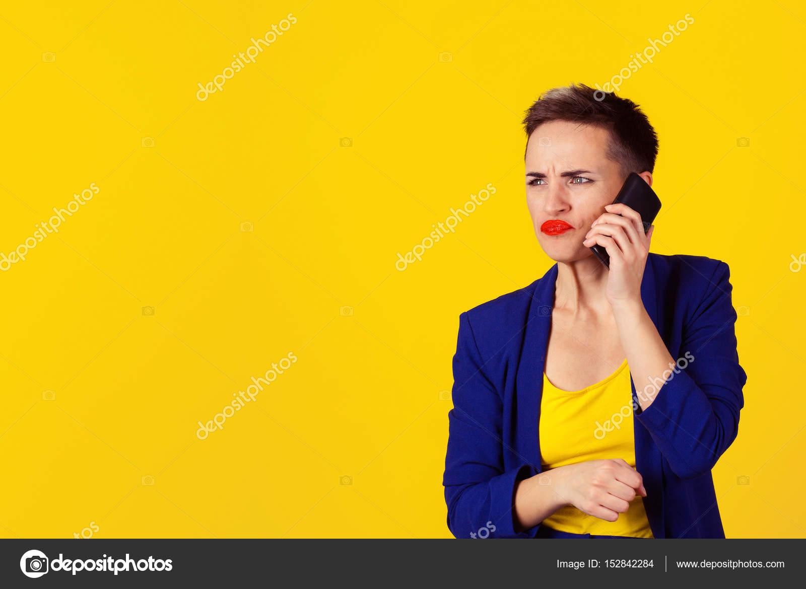 66a2effd9e72 Closeup Retrato mujer joven enojada, adolescente hablando por ...