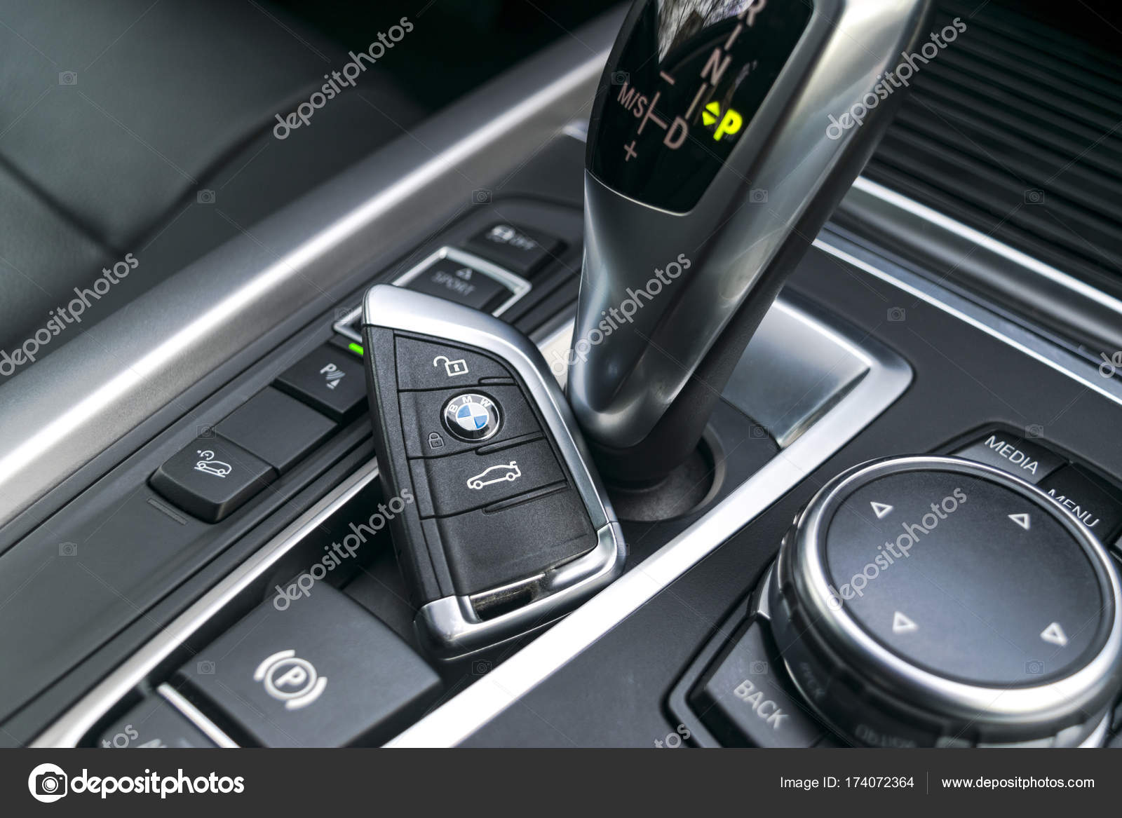 Close Up Of Wireless Keys BMW X5 F15 2017 In Black Leather Car Interior