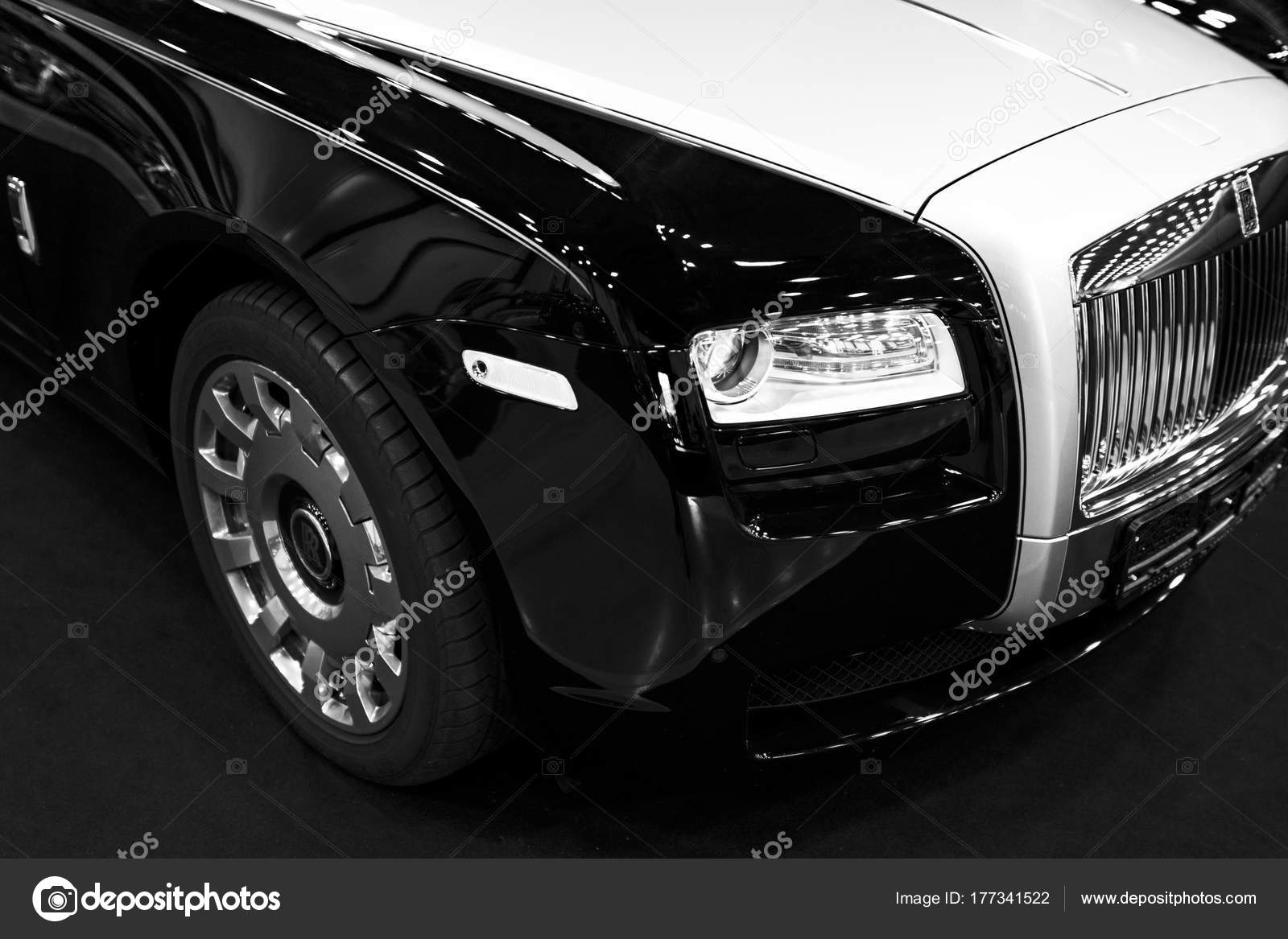 Front View Of A Luxury Car Rolls Royce Phantom Black And White Stock Editorial Photo C Bigtunaonline 177341522