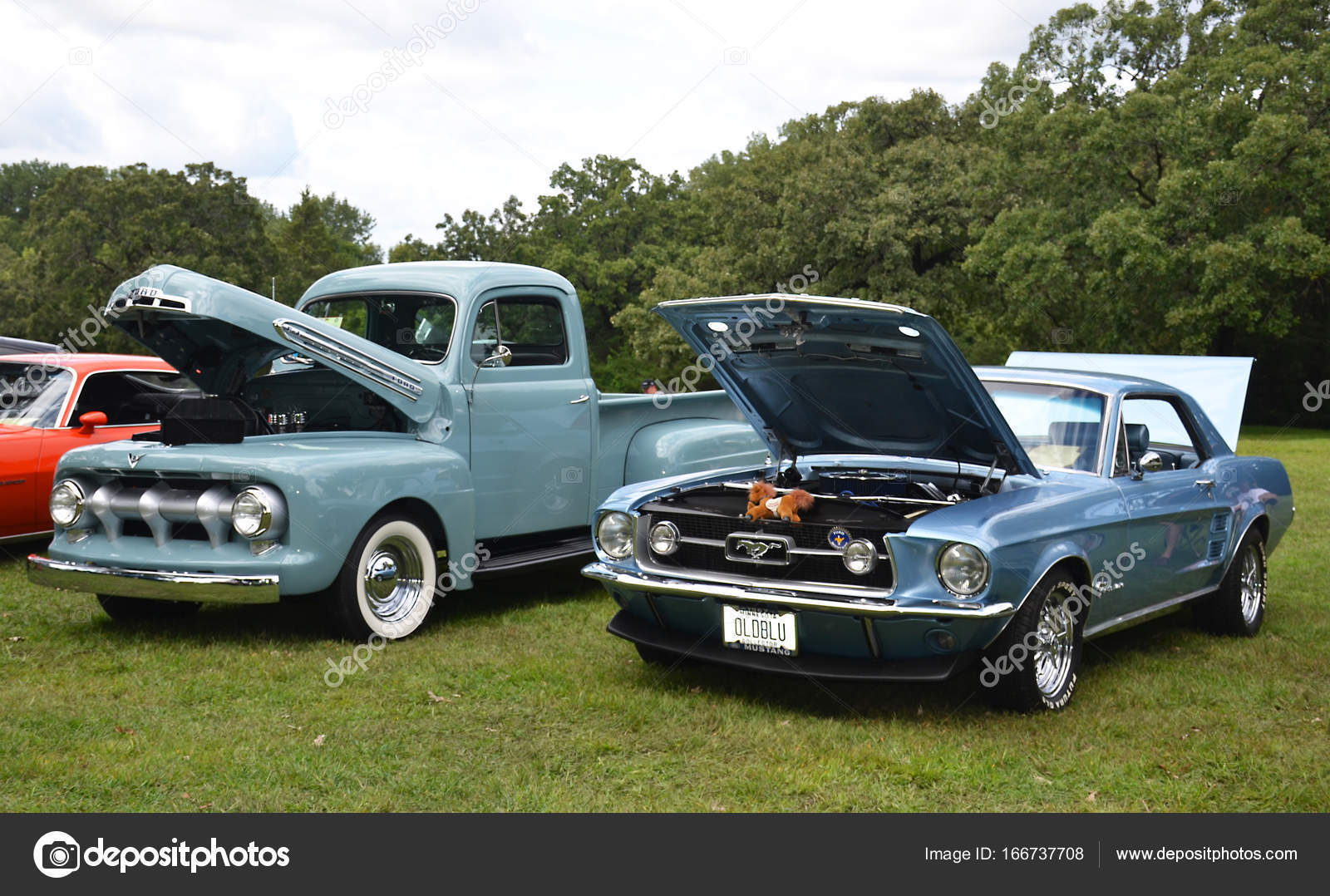 Shakopee, Minnesota, USA - August 27, 2017: Open-air exhibition and ...