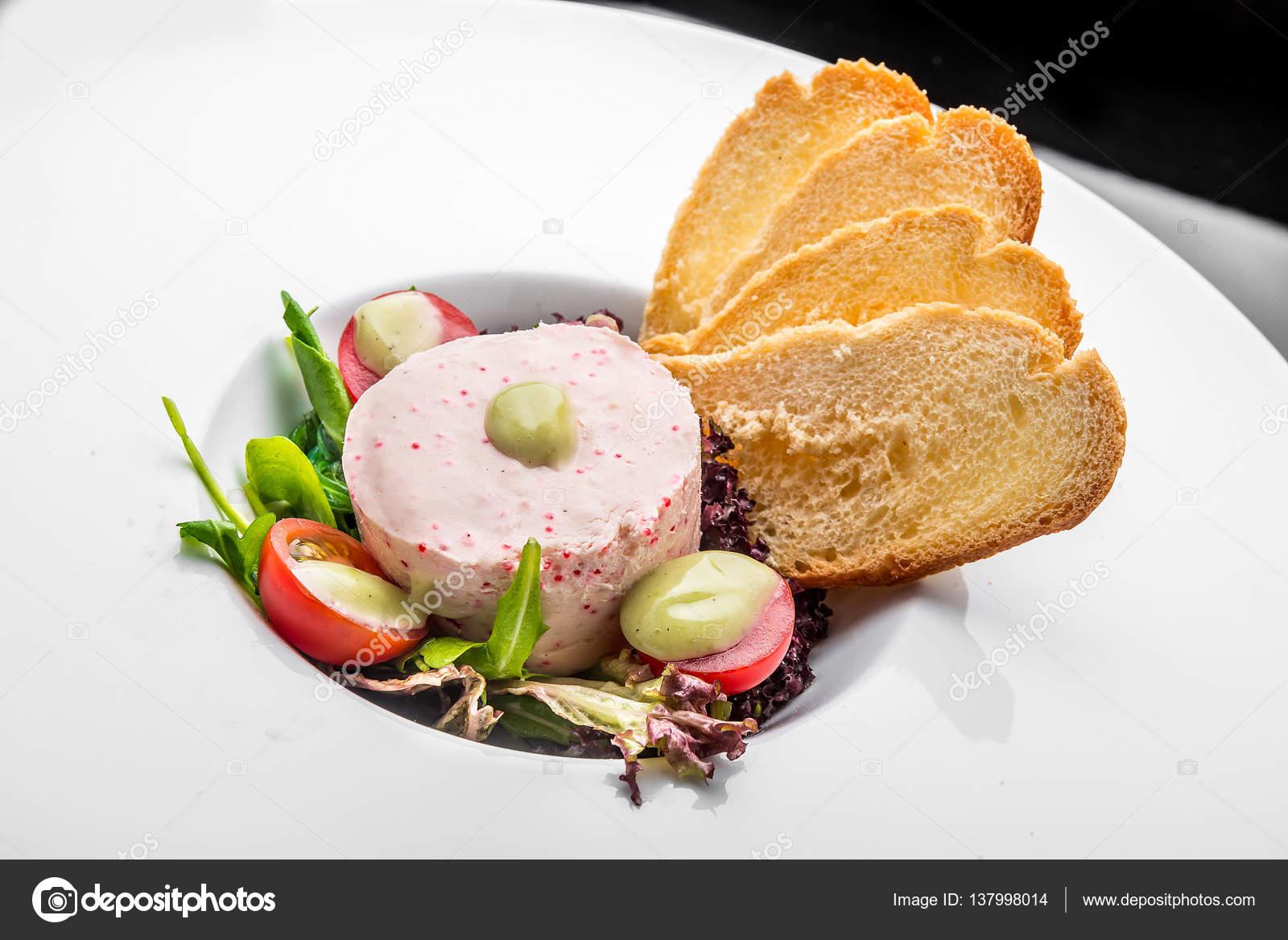 Fume Saumon Et Doux Fromage A Tartiner De Mousse De Pate Dans Un