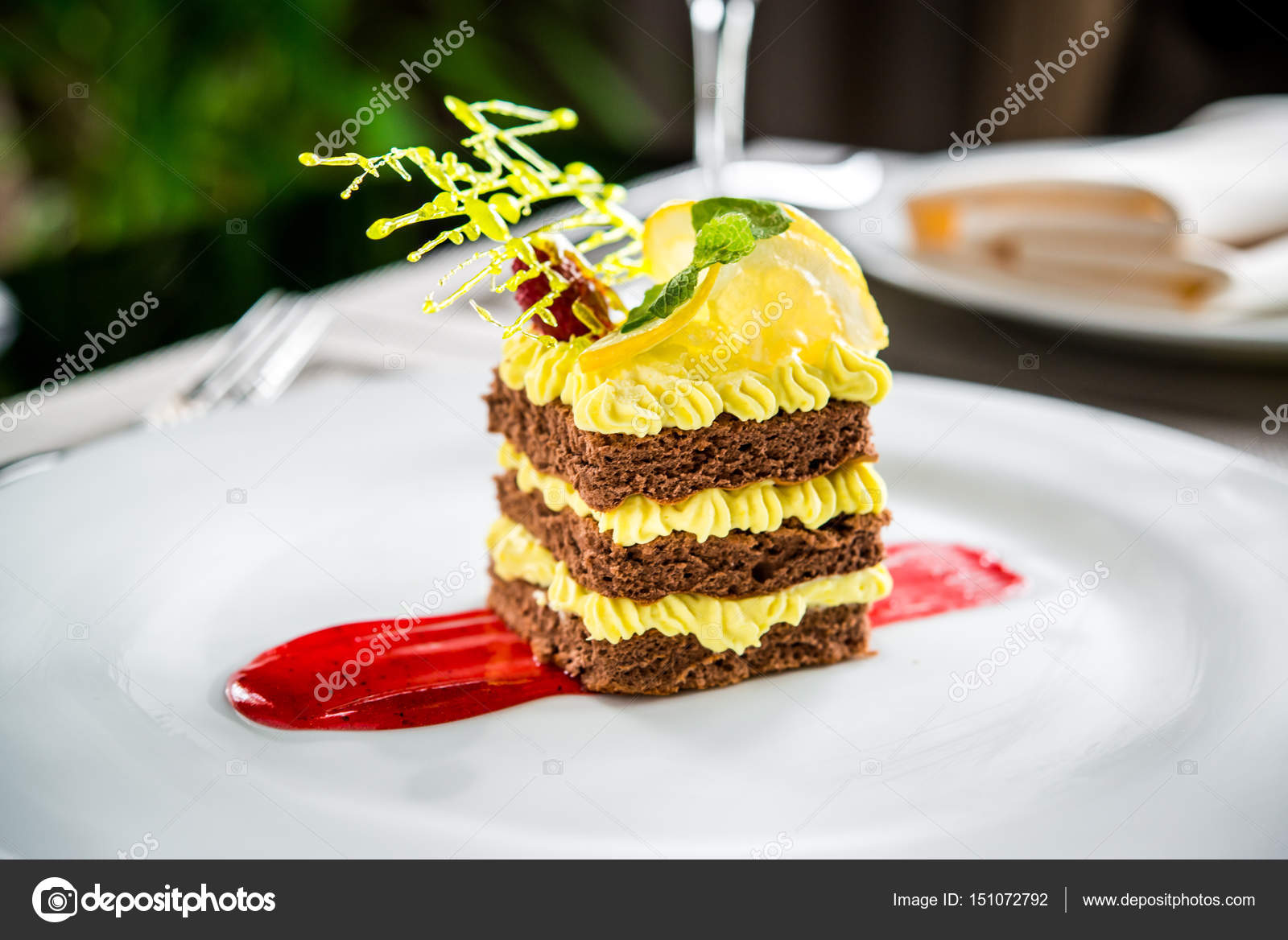 Kuchen Dessert Fruchtige Beere Creme Auf Einen Teller Stockfoto