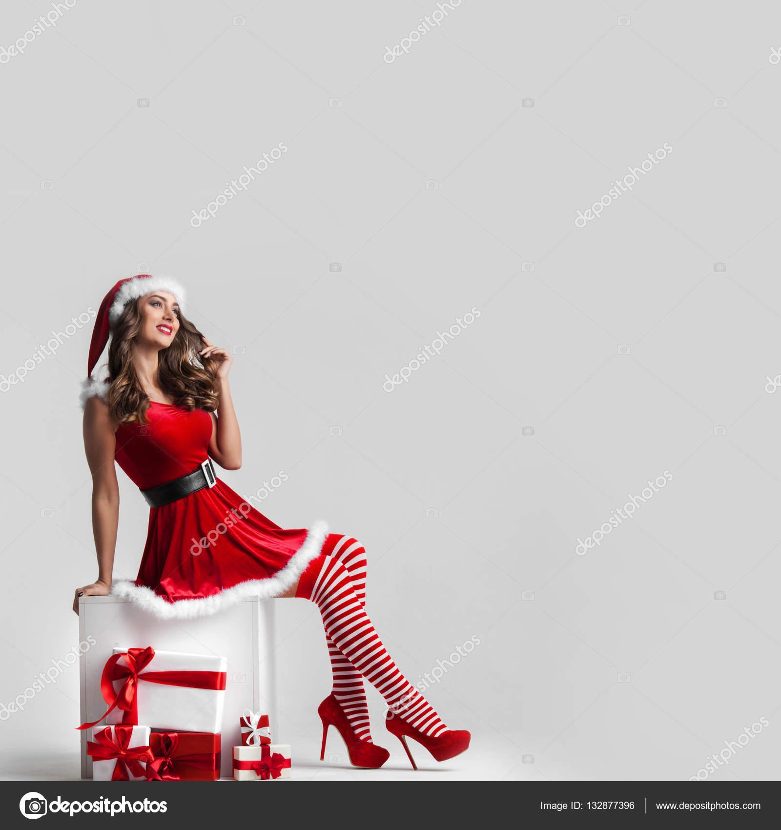 Regali Di Natale Ragazza.Ragazza Pin Up Con I Regali Di Natale Foto Stock C Yellow2j 132877396