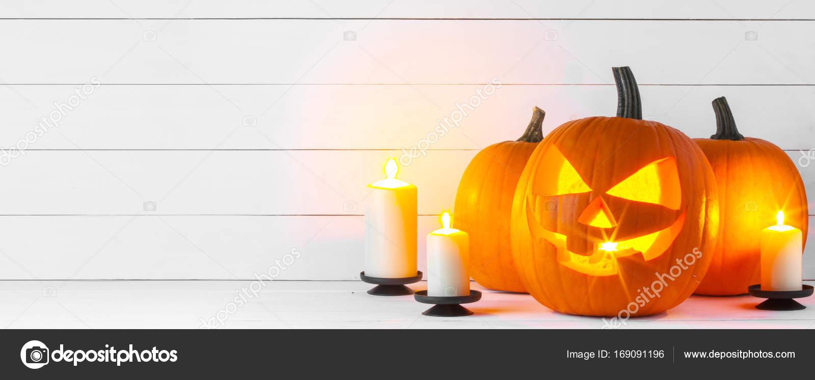 Pompoen En Halloween.Halloween Pompoen En Kaarsen Stockfoto C Yellow2j 169091196