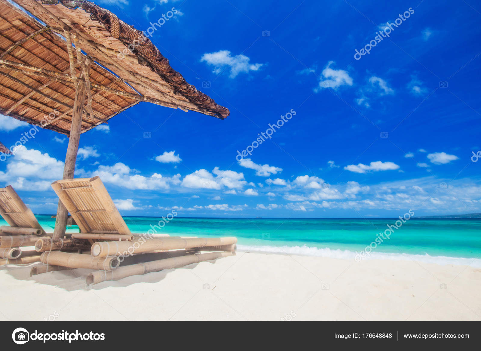 Lounge chairs under tent on beach u2014 Stock Photo  sc 1 st  Depositphotos & Lounge chairs under tent on beach u2014 Stock Photo © yellow2j #176648848