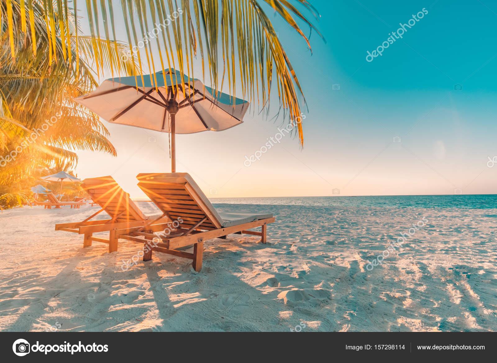Vue de la plage parfaite conception de vacances d t for Chaise longue plage
