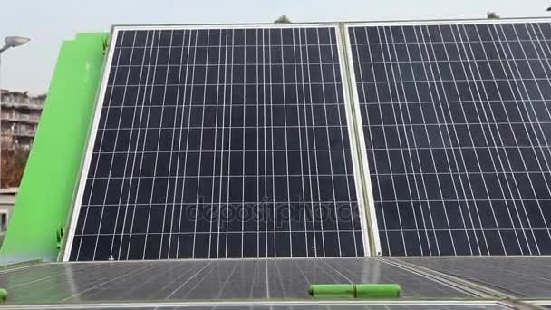 motorizovaná solární panely