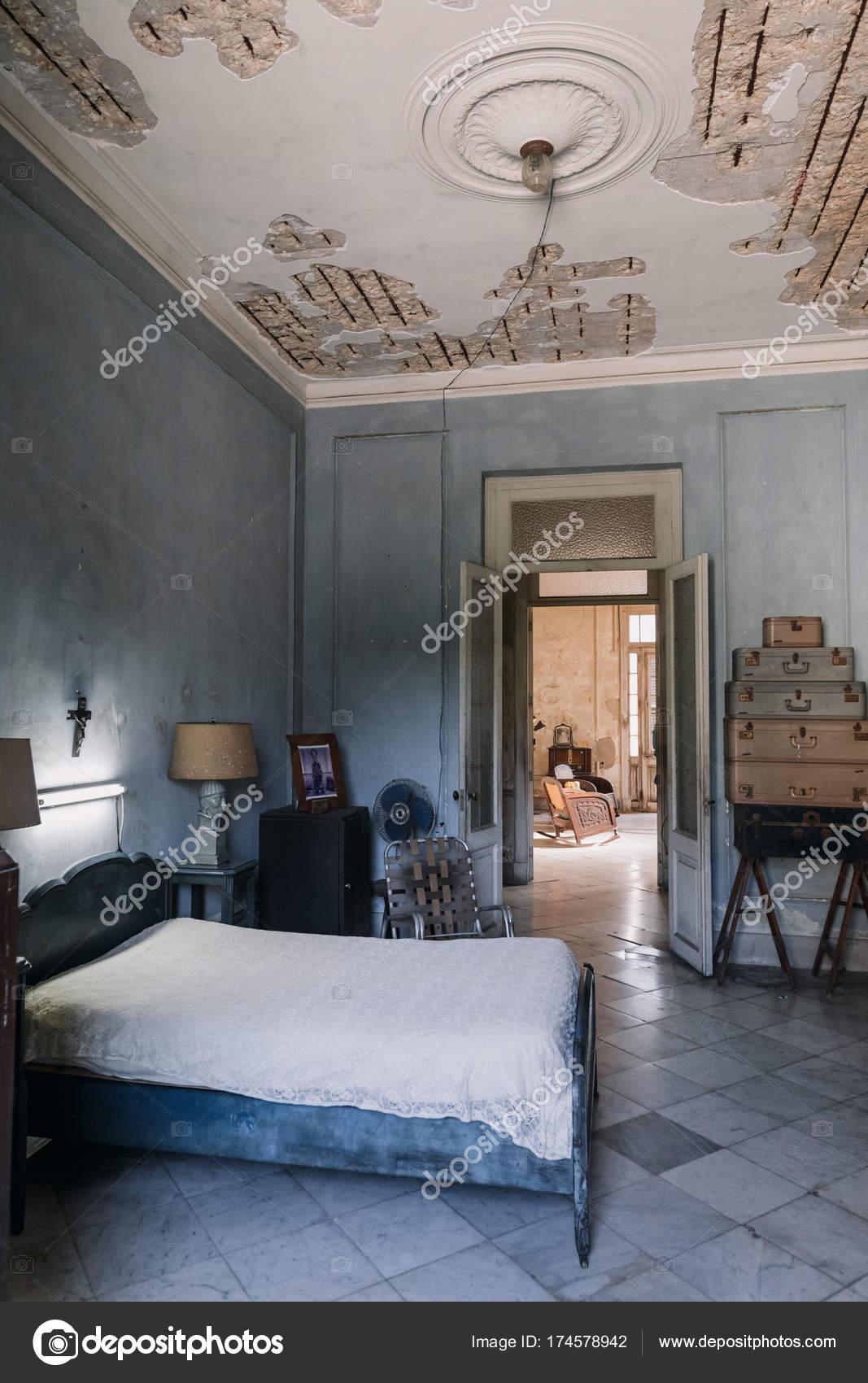 Havanna Kuba Januar 2017 Einrichtung Der Schlafzimmer Alten Haus ...