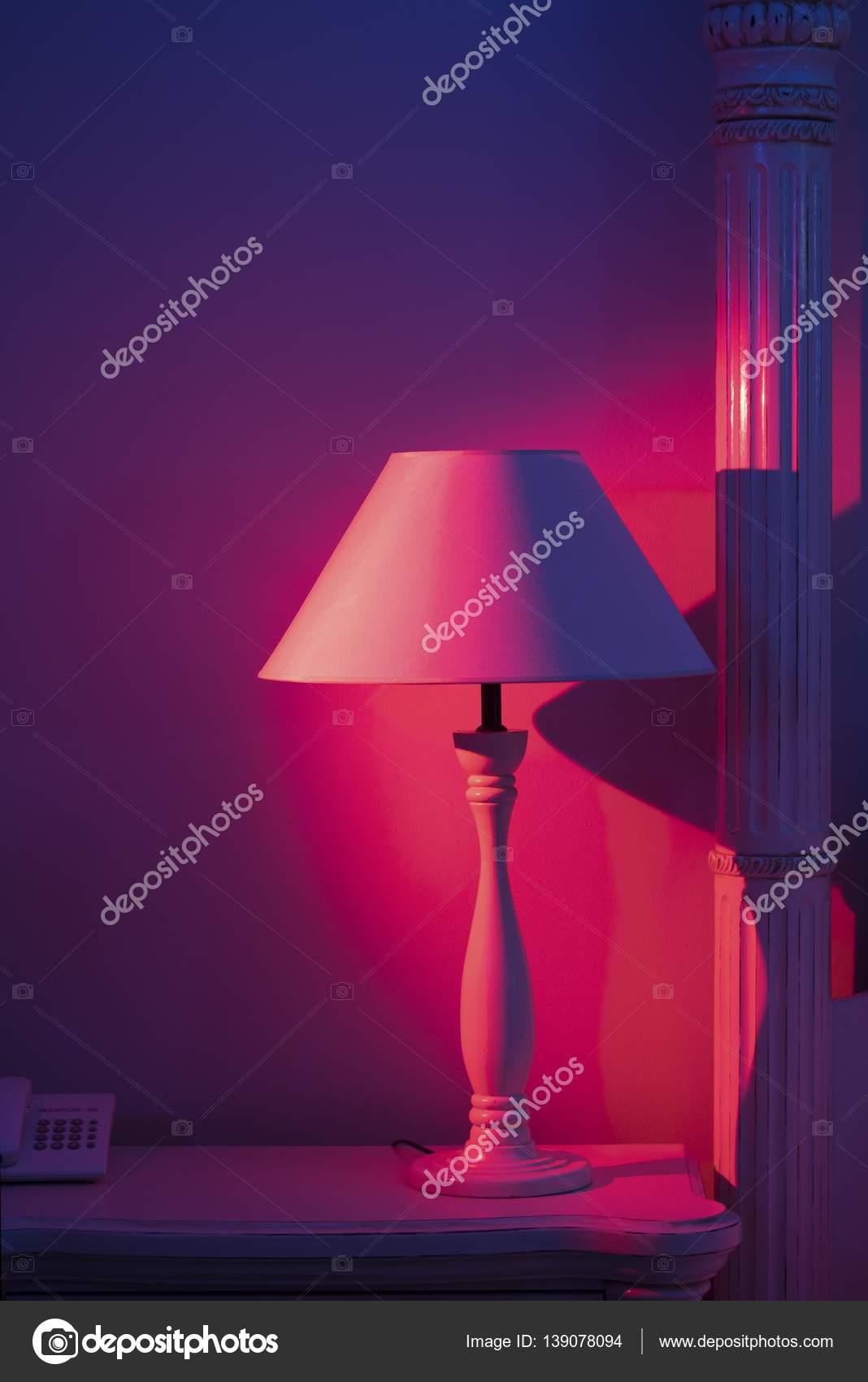 Art-Deco-stilvolle Schlafzimmer Lampe — Stockfoto © Stockcrafter ...
