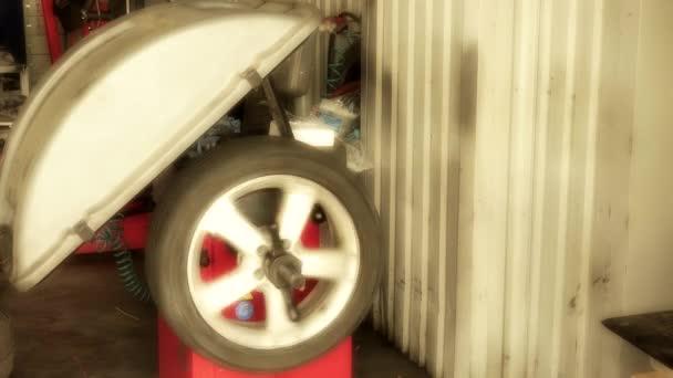 Automobilová kola vyrovnávání v auto služby