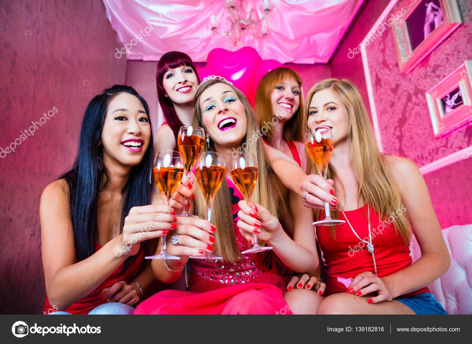 Пьяные девичники фото 8