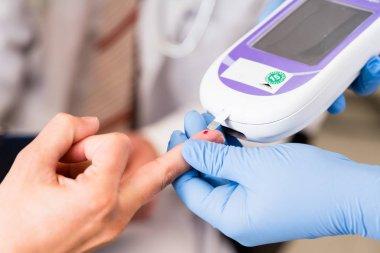 Diabetes test with strip measure