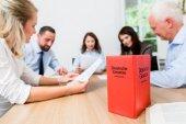 Právníci v plnění vyjednávání dohody