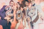 Fél ember a nők és férfiak ünnepli Szilveszter 2018