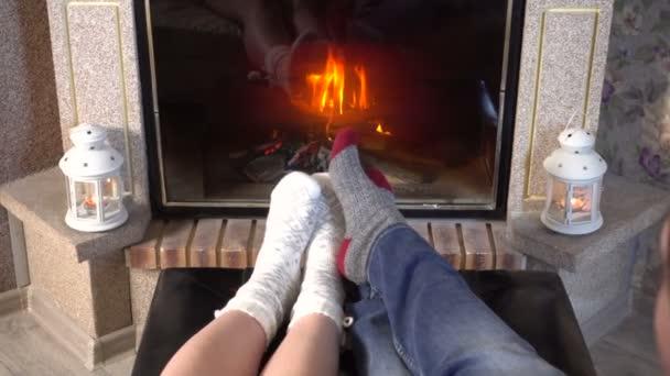 Женские ножки в носках видео 4