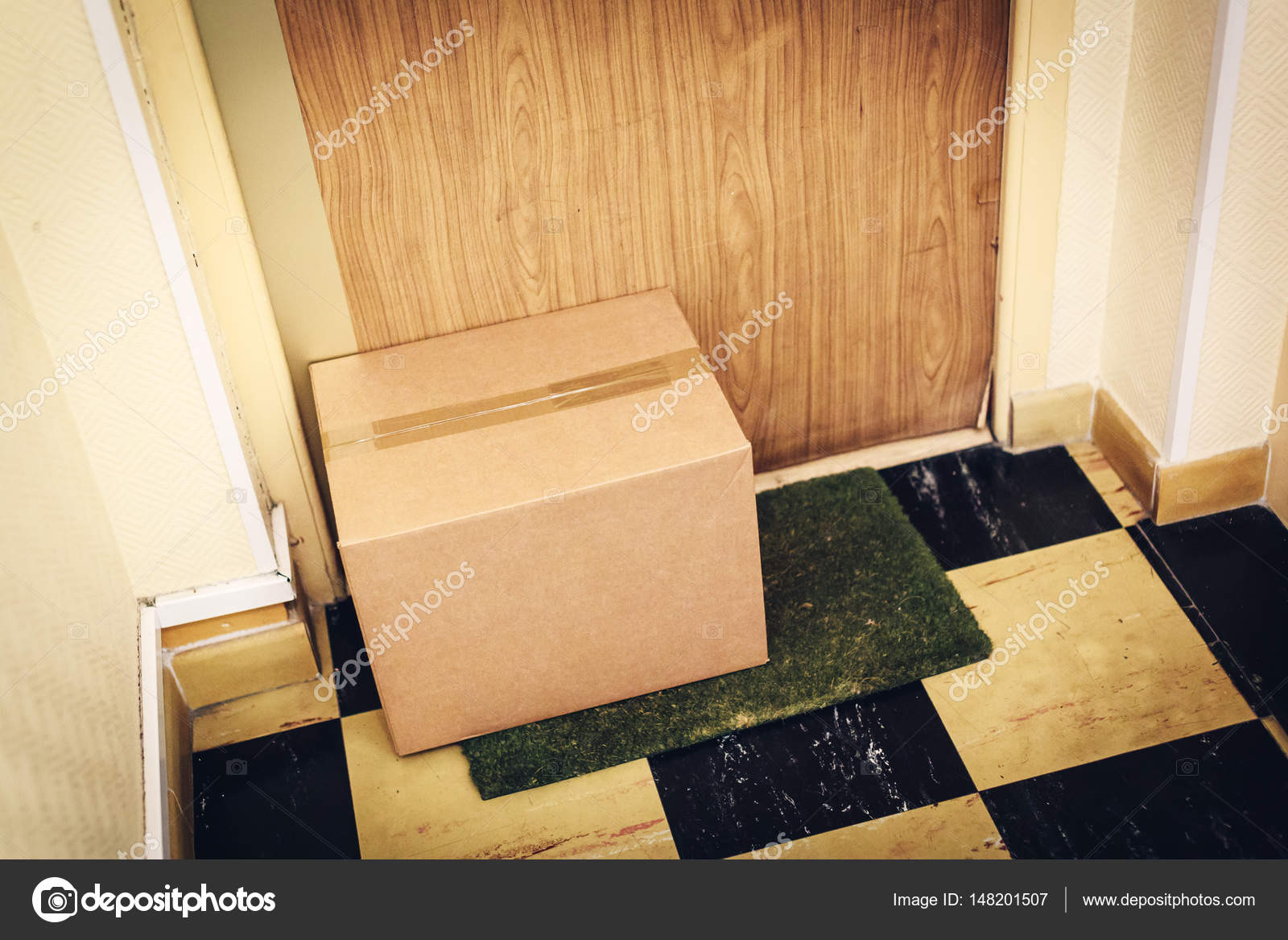 Parcel Waiting For You At Your Door Stock Photo C Nullplus 148201507