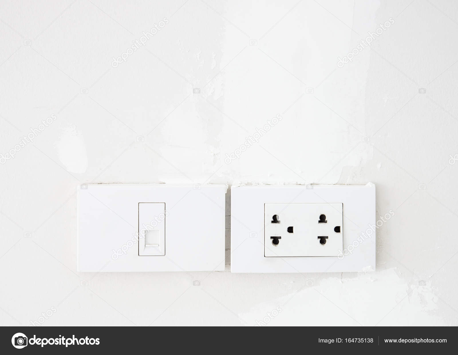 Schalter und Telefon-Steckdose — Stockfoto © trainman32 #164735138