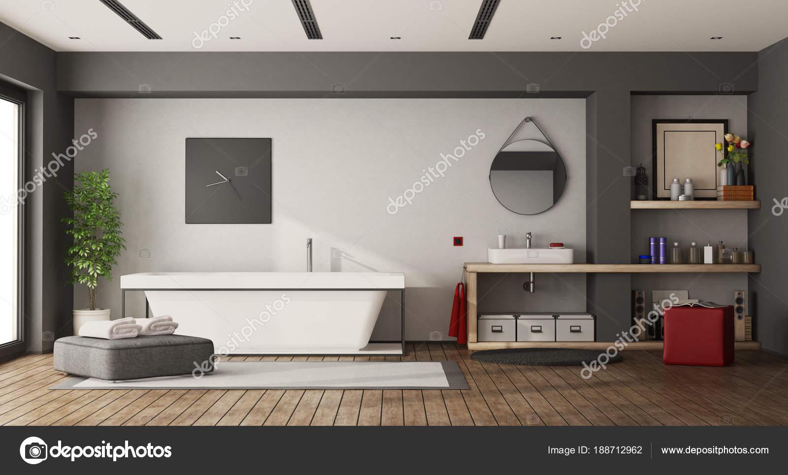 Grande salle de bains avec baignoire et lavabo — Photographie ...