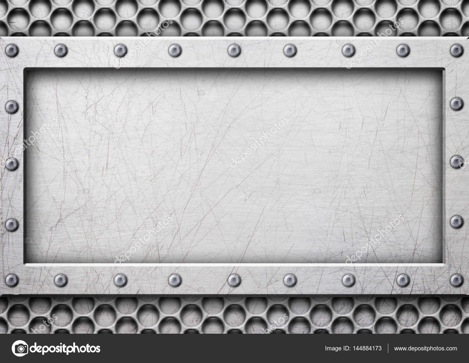 Malla de acero gris con un marco de metal para una inscripción ...
