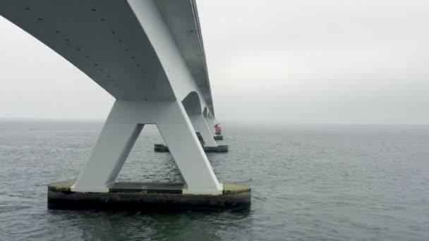 Most Zeelandbrug nejdelší most v Nizozemsku