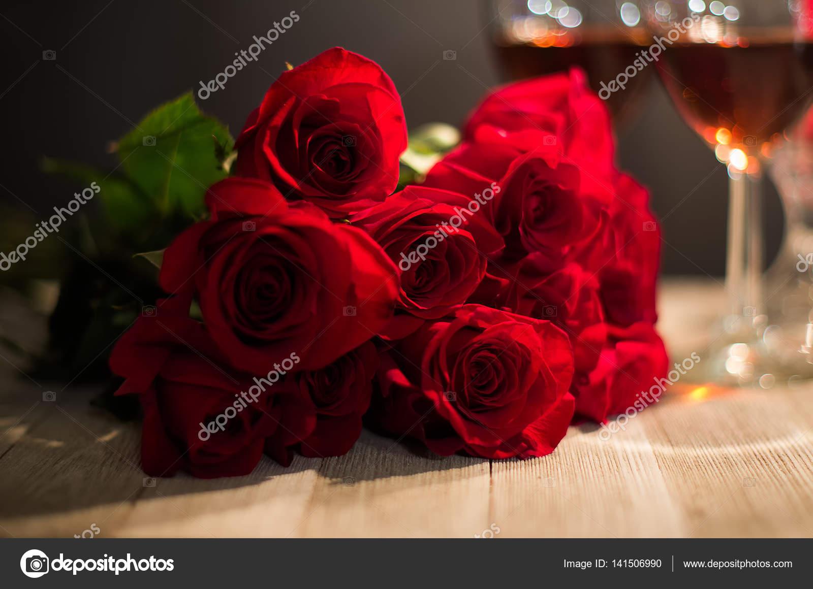 Rosas Rojas Para Alguien Especial Fotos De Stock Dmohn28 141506990