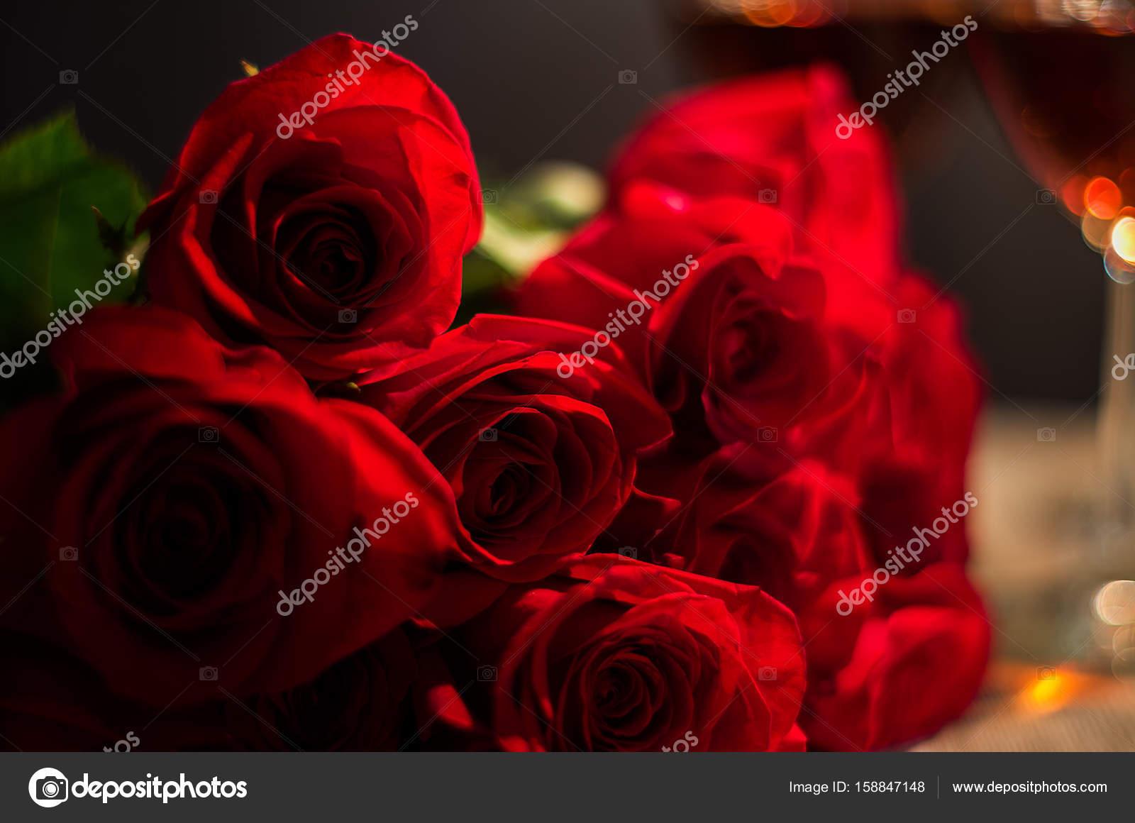 Rosas Rojas Para Alguien Especial Fotos De Stock Dmohn28 158847148