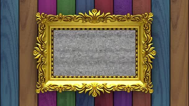 Varicolored fa a háttérben. TV zaj és zöld chroma-kulcs játszik a képernyőn a díszes arany képkeret. 3D-s animációs intro.