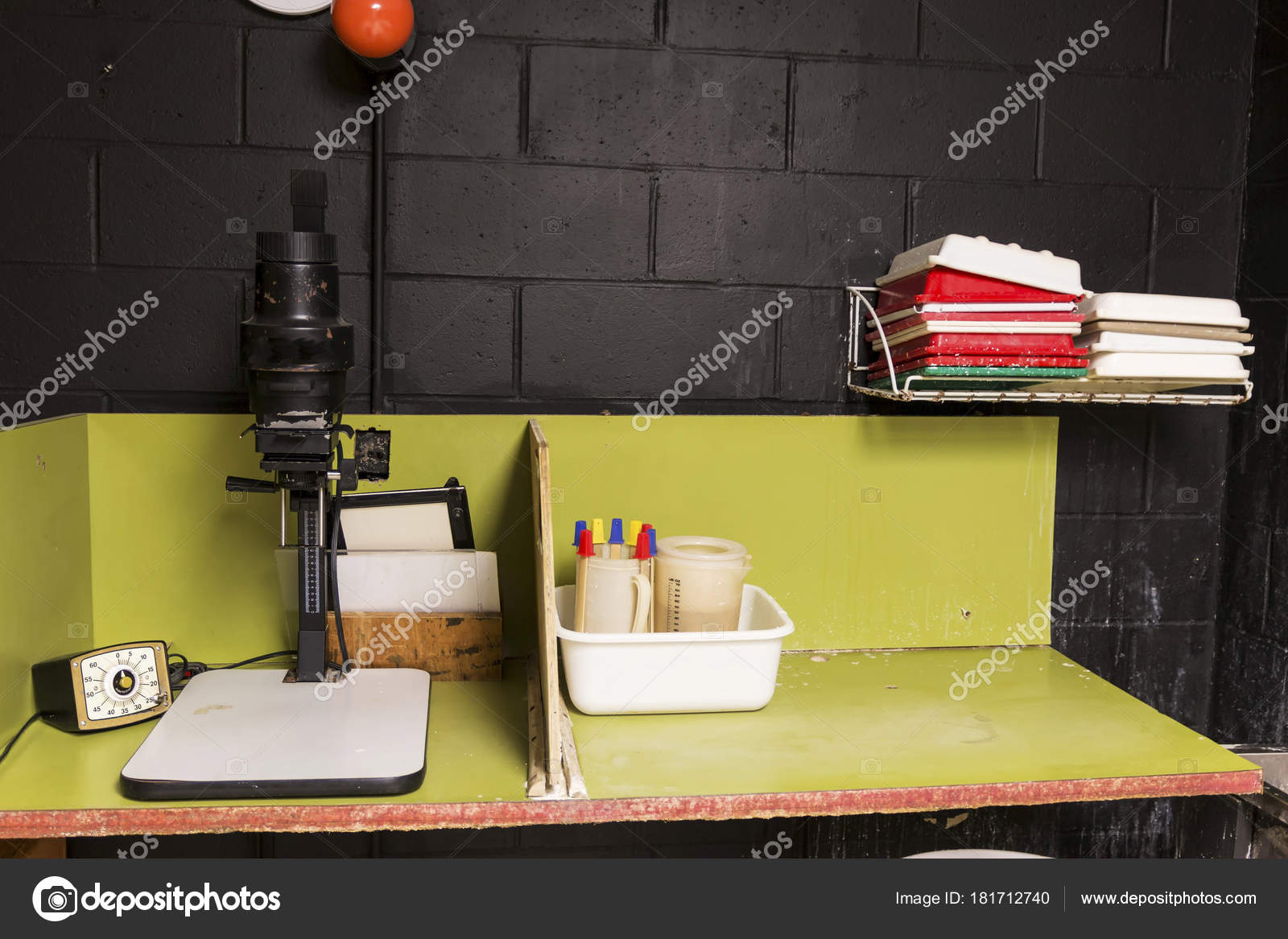 Black and White photo enlarger in darkroom — Stock Photo