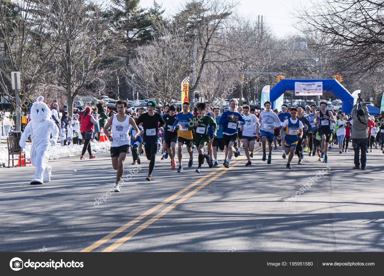 28129beb2 Garden City Usa March 2018 Race Start Easter Bunny Racing — Stock Photo
