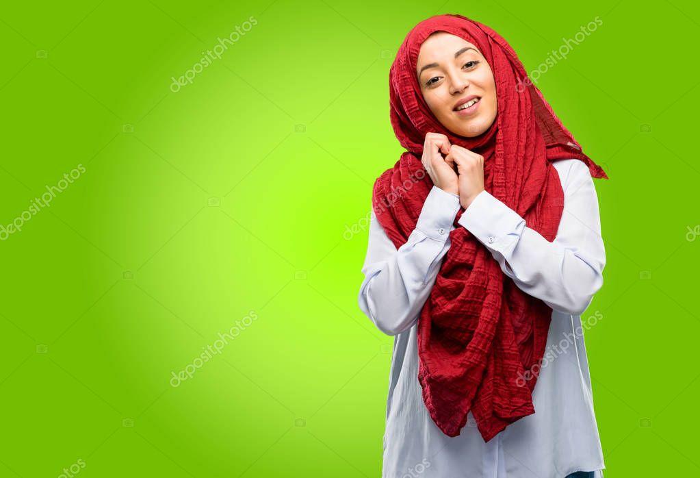 molodaya-arabka-delaet-schaste-lesbiyanki-dominirovanie-bondazh-bdsm