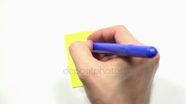 Férfi kézi írja fel velünk a kapcsolatot