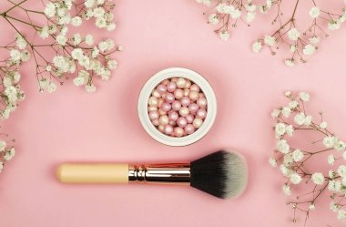 Pearl make up powder and brush for powder