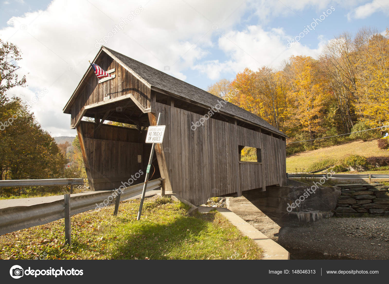Antique Covered Wooden Bridge In Vermont Countryside Stock Photo