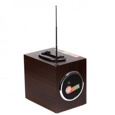 Portable mobile mp3 speaker with flashlight