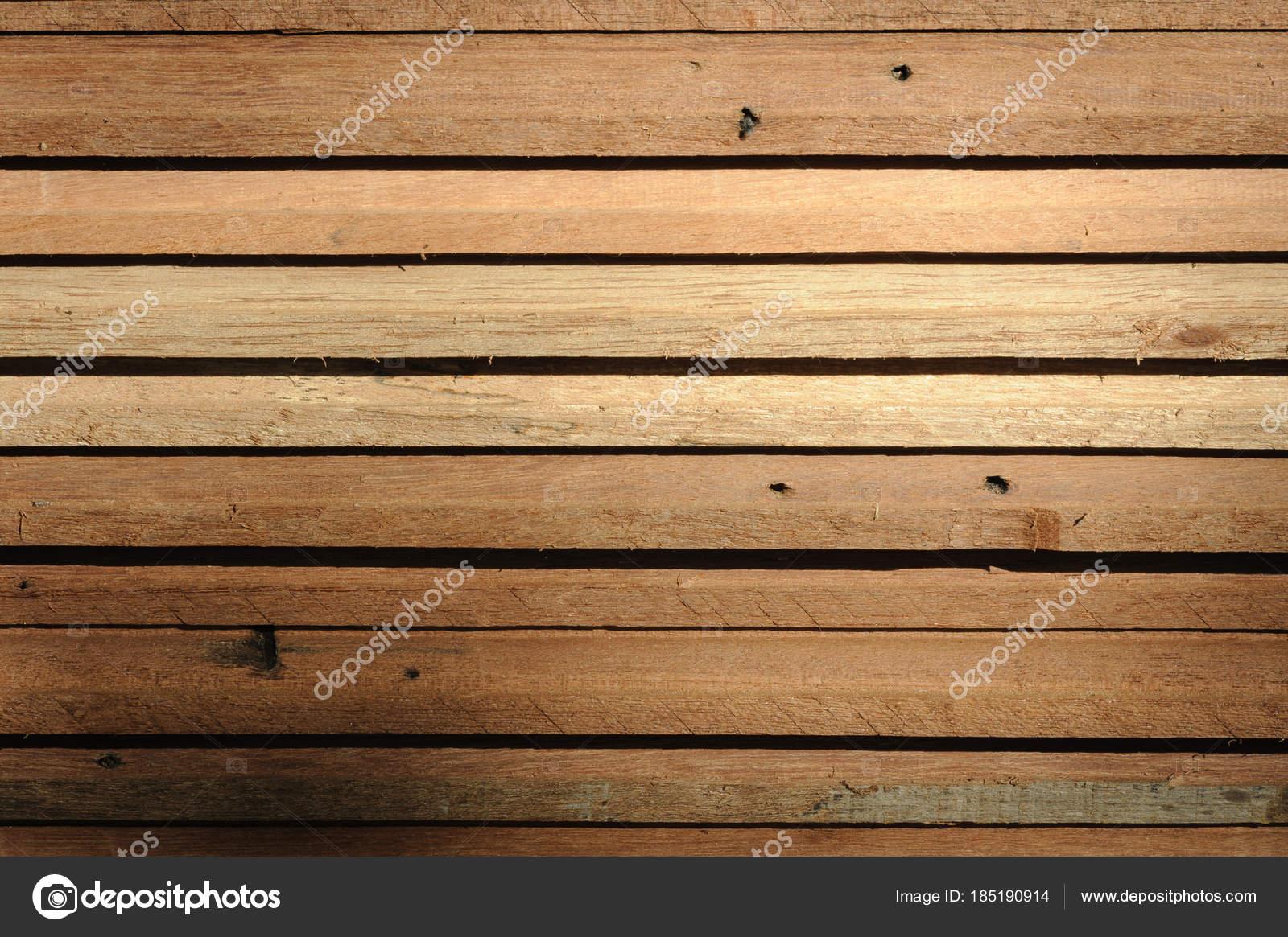 Awesome legno di teak contemporary idee arredamento casa for Idee portico coloniale