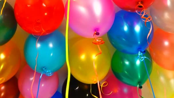gel bubliny na strop před svátkem