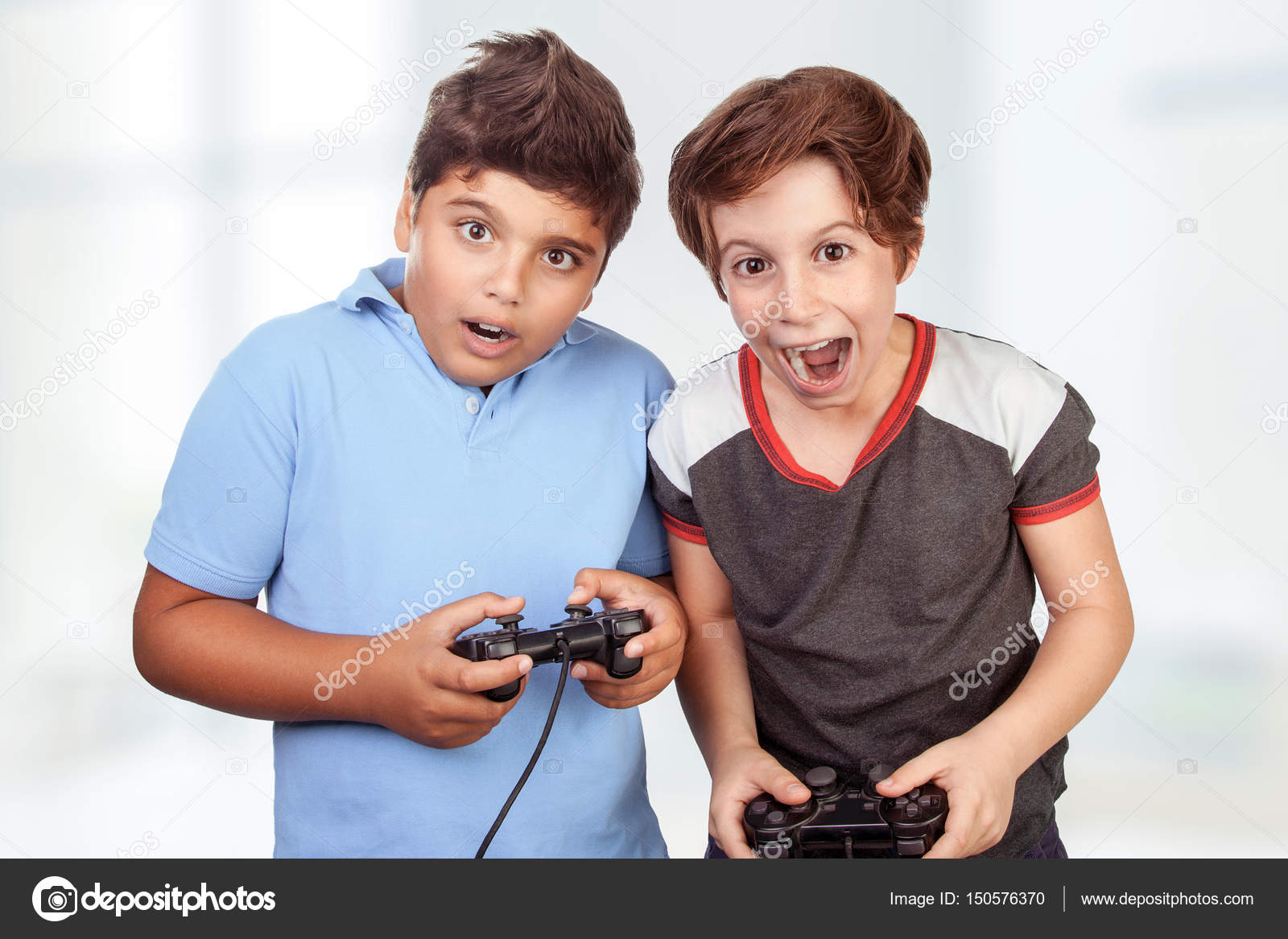 Imagenes Jugar Con Amigos Mejores Amigos Jugando Playstation