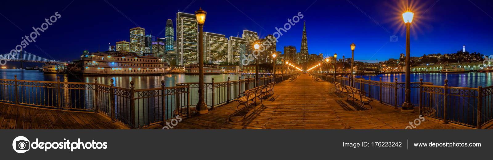 Die Innenstadt von San Francisco und die Transamerica Pyramid zu ...