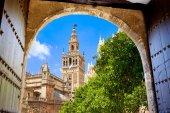 Fotografie Turm der Kathedrale Giralda von Alcazar Sevilla