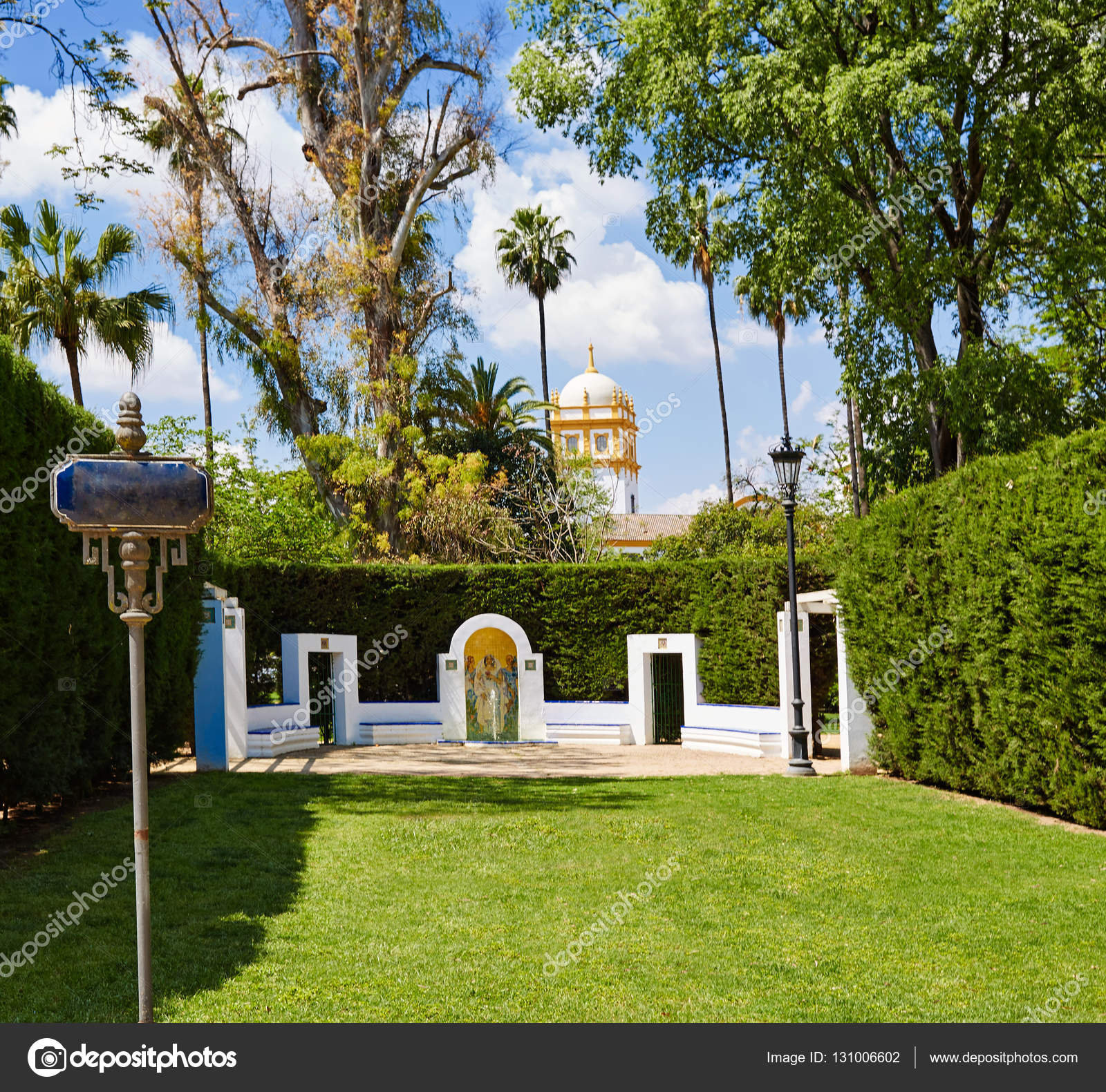 Sevilla maria luisa parque jardines espa a foto de stock tono balaguer 131006602 - Jardines de sevilla ...