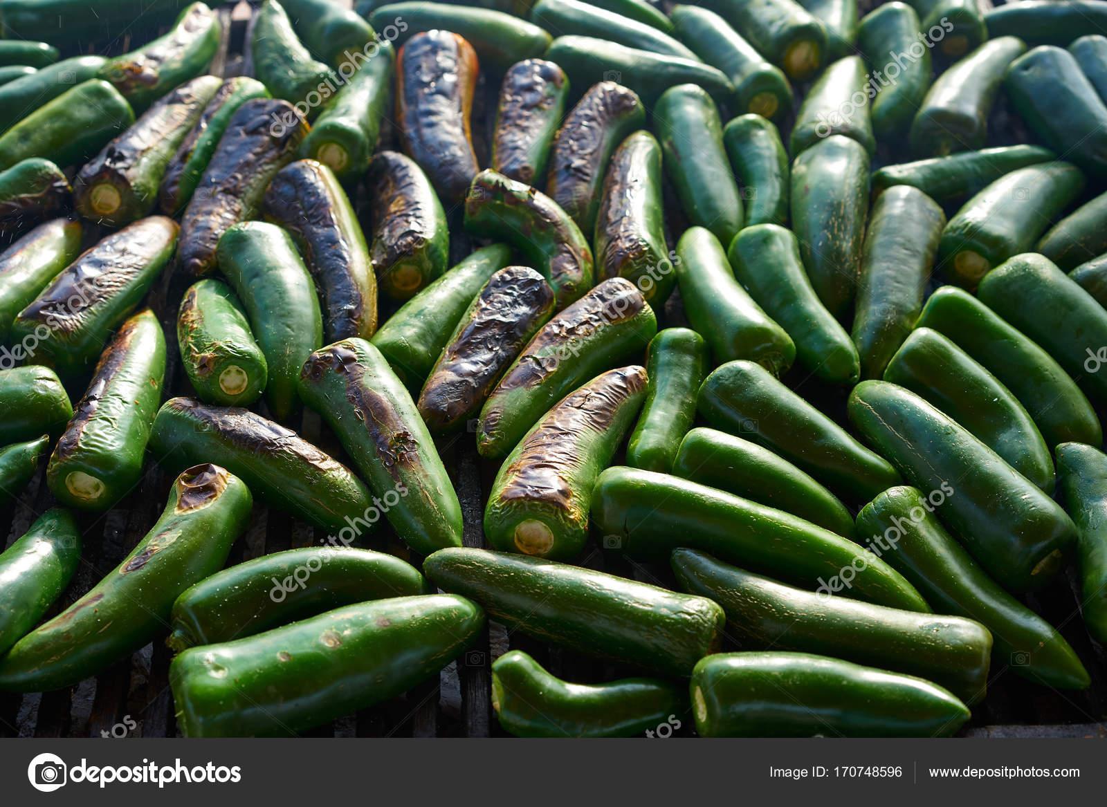 Barbacoa De Chiles Jalapeños A La Parrilla En México