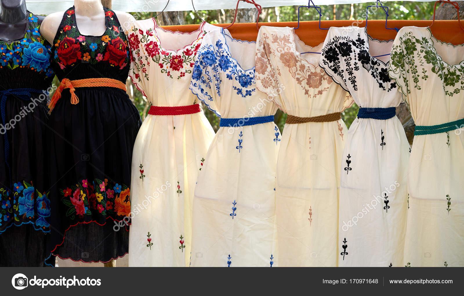 Vestido blanco bordado mexico