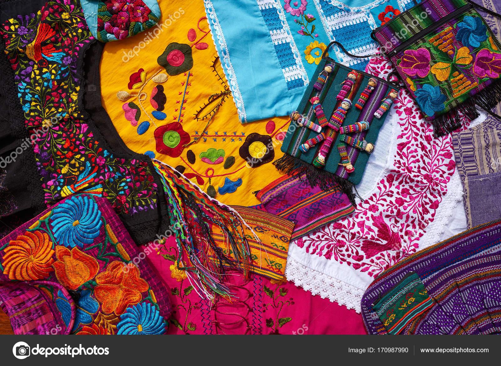 Armario De Quarto Solteiro Casas Bahia ~ Mistura de lembranças de artesanato mexicano Maia u2014 Stock Photo u00a9 lunamarina #170987990