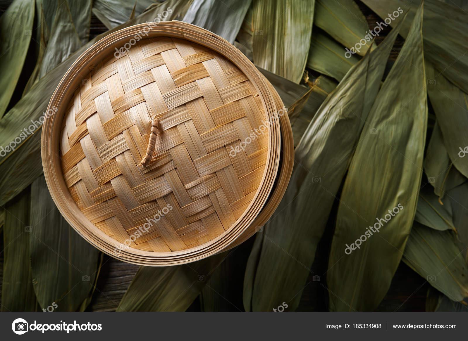 Asiatische Kuche Bambus Dampfgarer Fur Dampfgaren Stockfoto C Tono