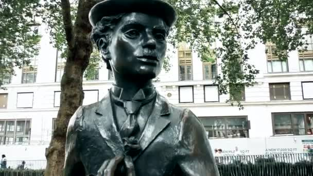Londýn. Socha Charlie Chaplin