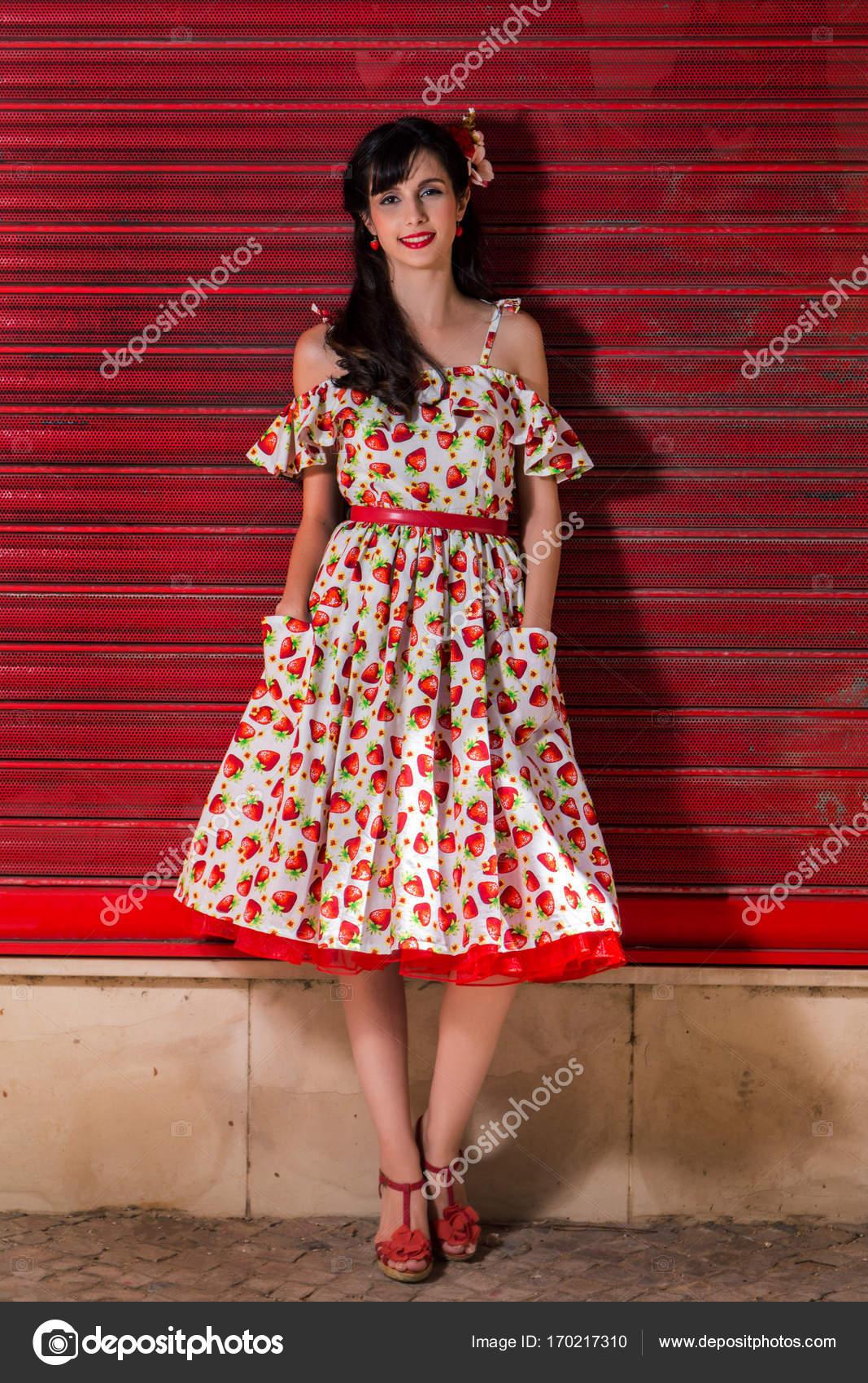 Девушка в винтажном стиле